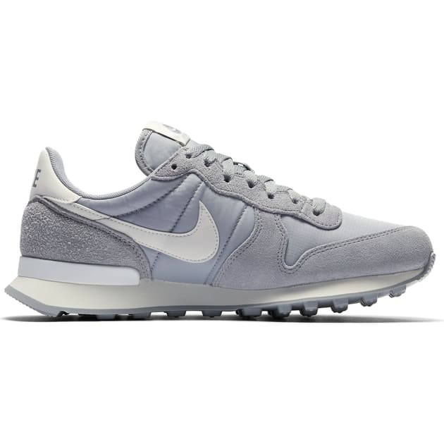 Nike Wmns Internationalist Hellgrau