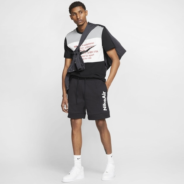 Nike Nike Air Men's Fleece Shorts bei Sport Münzinger München