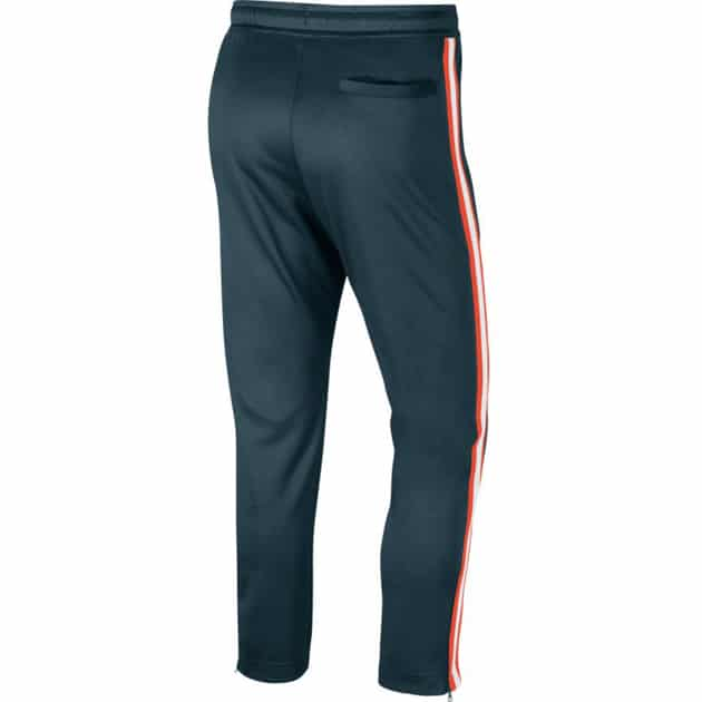 Nike M NSW HE PANT OH TRIBUTE bei Sport Münzinger München